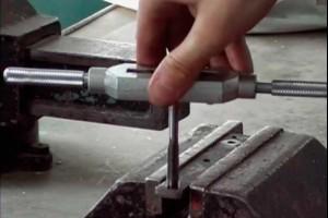 Как нарезать резьбу метчиком